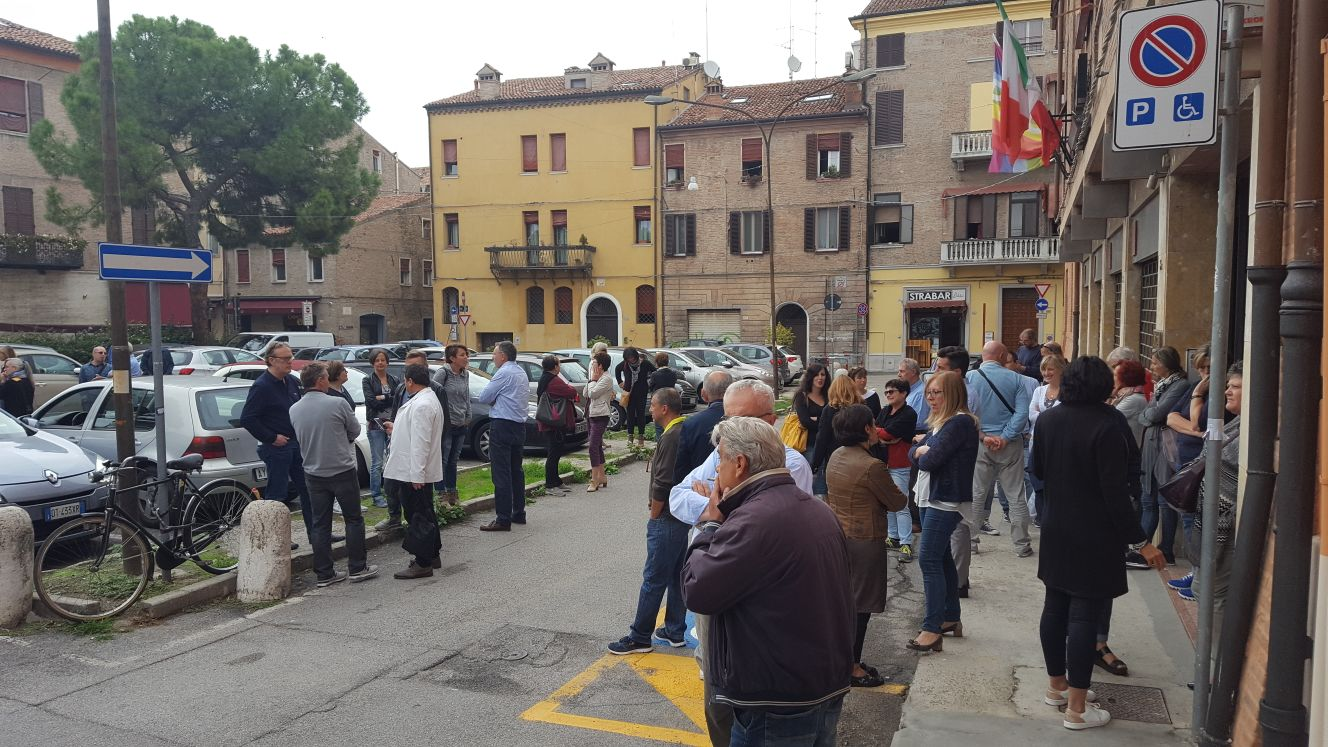 CDLT Ferrara: fermata di 10 minuti davanti sede P.zza Verdi per infortunio mortale
