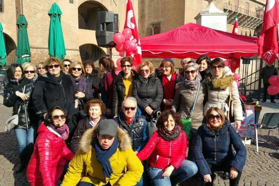 Inca in piazza: grande iniziativa del patronato Inca Cgil di Ferrara