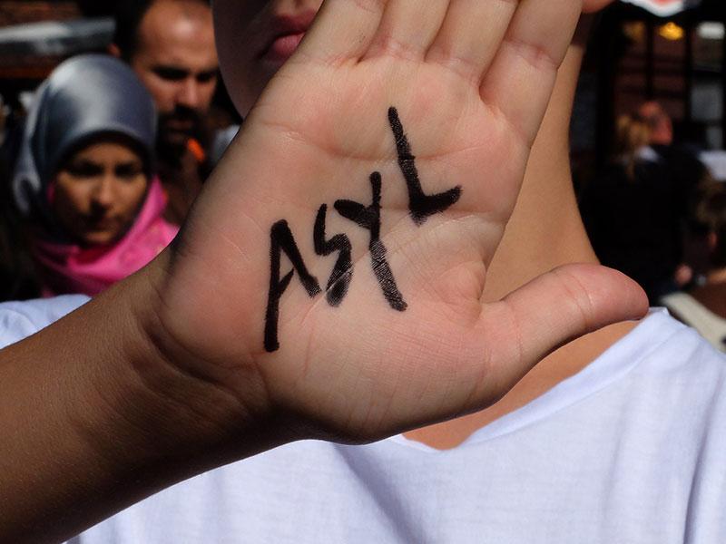 Sull'ospitalità ai richiedenti asilo basta slogan: il comunicato della Cgil di Ferrara